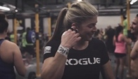 Rogue Athlete Lindsey Valenzuela uses The Natural Grip